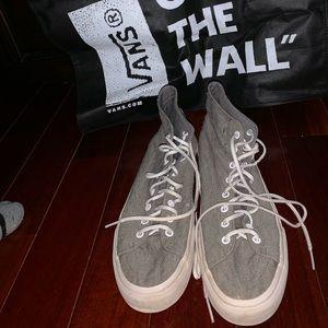 Gray Off The Wall Men's Vans + Bag